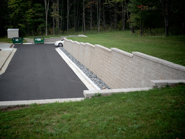 Retaining Wall With Curb and Gutter at Aspirus Hospice House